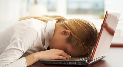Thường xuyên cảm thấy mệt mỏi là dấu hiệu của xơ gan, suy gan...