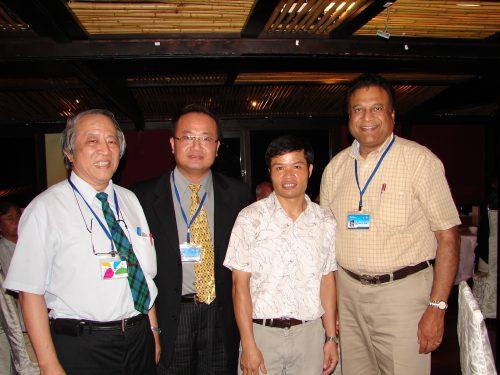 Hình ảnh tại hội thảo quốc tế chuyên ngành Y dược tổ chức tại Đài Loan, đạt giải nhất Poster.