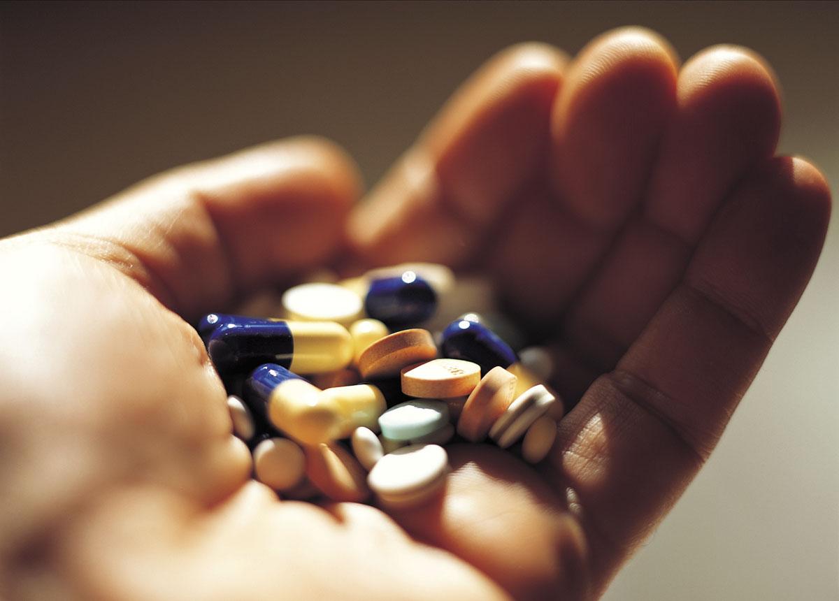 Lưu ý khi dùng thuốc điều trị viêm gan c
