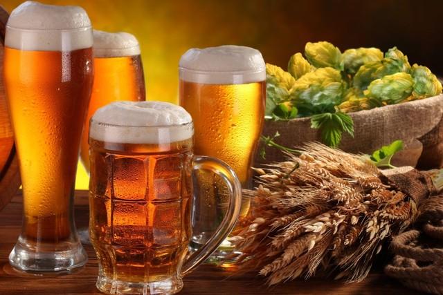 Rượu, bia là một trong những nguyên nhân men gan tăng