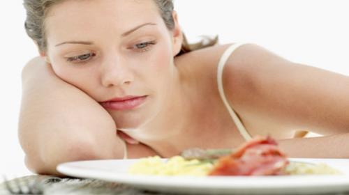 Chán ăn, ăn không ngon miệng là một trong những triệu chứng của Viêm gan C