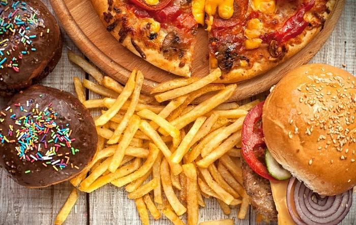 Hạn chế sử dụng đồ nhiều chất béo, cay nóng