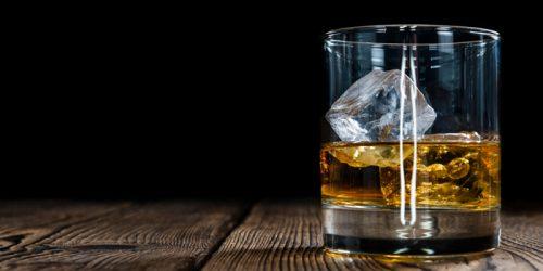 Người bị viêm gan B cấp tính cần tránh uống rượu