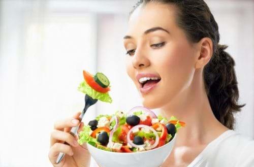 Chế độ ăn uống cũng rất cần thiết cho những người bị gan nhiễm mỡ