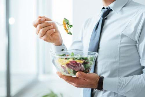 Chia nhỏ các bữa ăn thường xuyên trong ngày