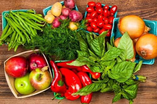 Tăng cường rau quả, các loại trái cây tươi trong bữa ăn hàng ngày