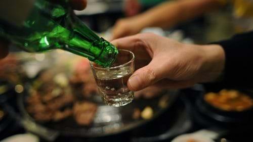 Người bị viêm gan C cần kiêng rượu hoàn toàn