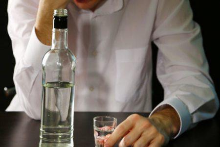 Lạm dụng thuốc giải rượu – Tiền mất tật mang