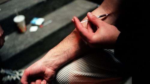 Tiêm chích ma túy làm tăng khả năng lây nhiễm viêm gan C