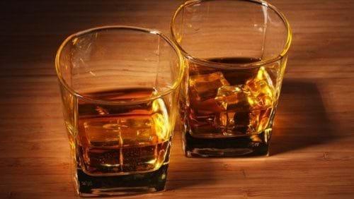 Hạn chế uống rượu bia là cách tốt nhất để bảo vệ gan