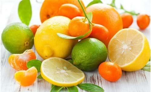 Cung cấp đủ lượng vitamin C cần thiết để bảo vệ tế bào gan