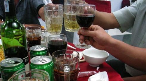 Rượu bia là nguyên nhân hàng đầu dẫn đến ung thư gan