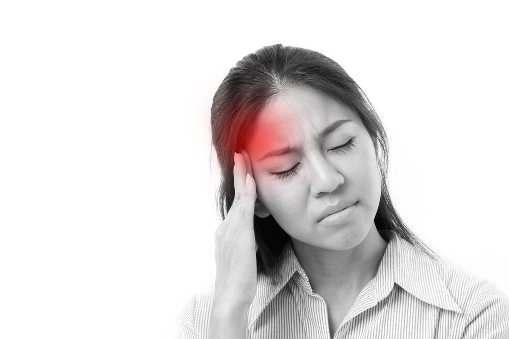 Đau đầu là tác dụng phụ thường gặp khi điều trị bằng thuốc Mavyret