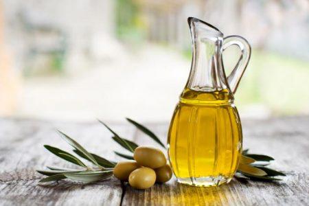 Người bệnh gan nhiễm mỡ độ 2 nên dùng loại dầu nào?