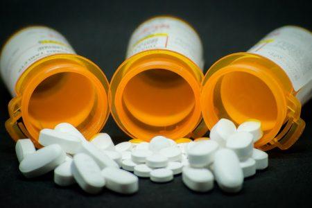 Dùng thuốc Oxycodone có làm tăng men gan?